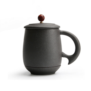 Drinkware ceramic tea mug with filters