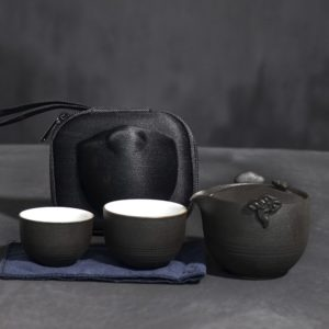 Ceramic teapot gaiwan with 2 teacups portable travel tea set